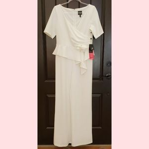Adriana Pappell NWT white jumpsuit size 10